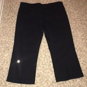 Lululemon crops, split calf